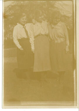 April 1922. Three women.