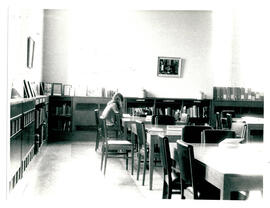 South-west corner room – Reference Library.