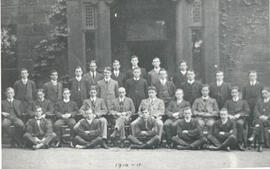 City of Leeds Training College 1910-11 Group photograph